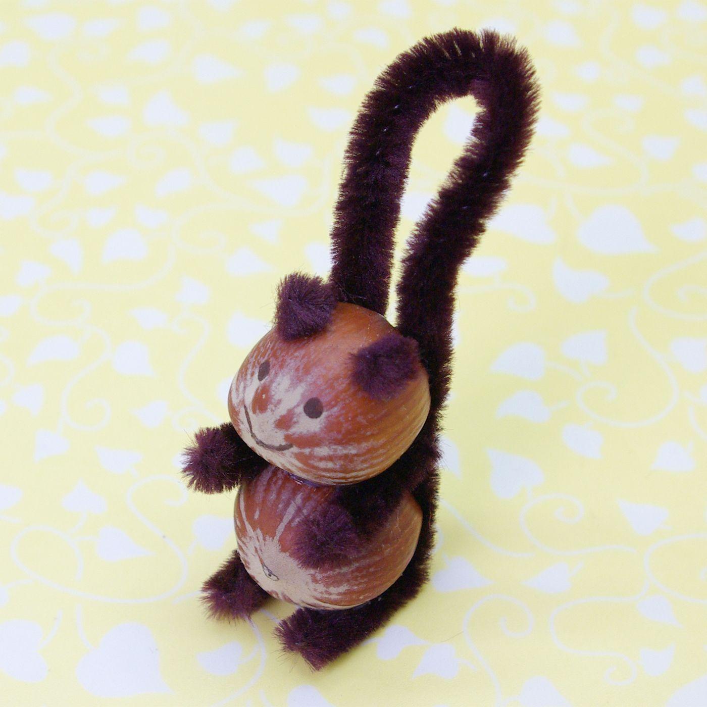 Eichhörnchen basteln aus Haselnüssen Pfeifenreiniger ...