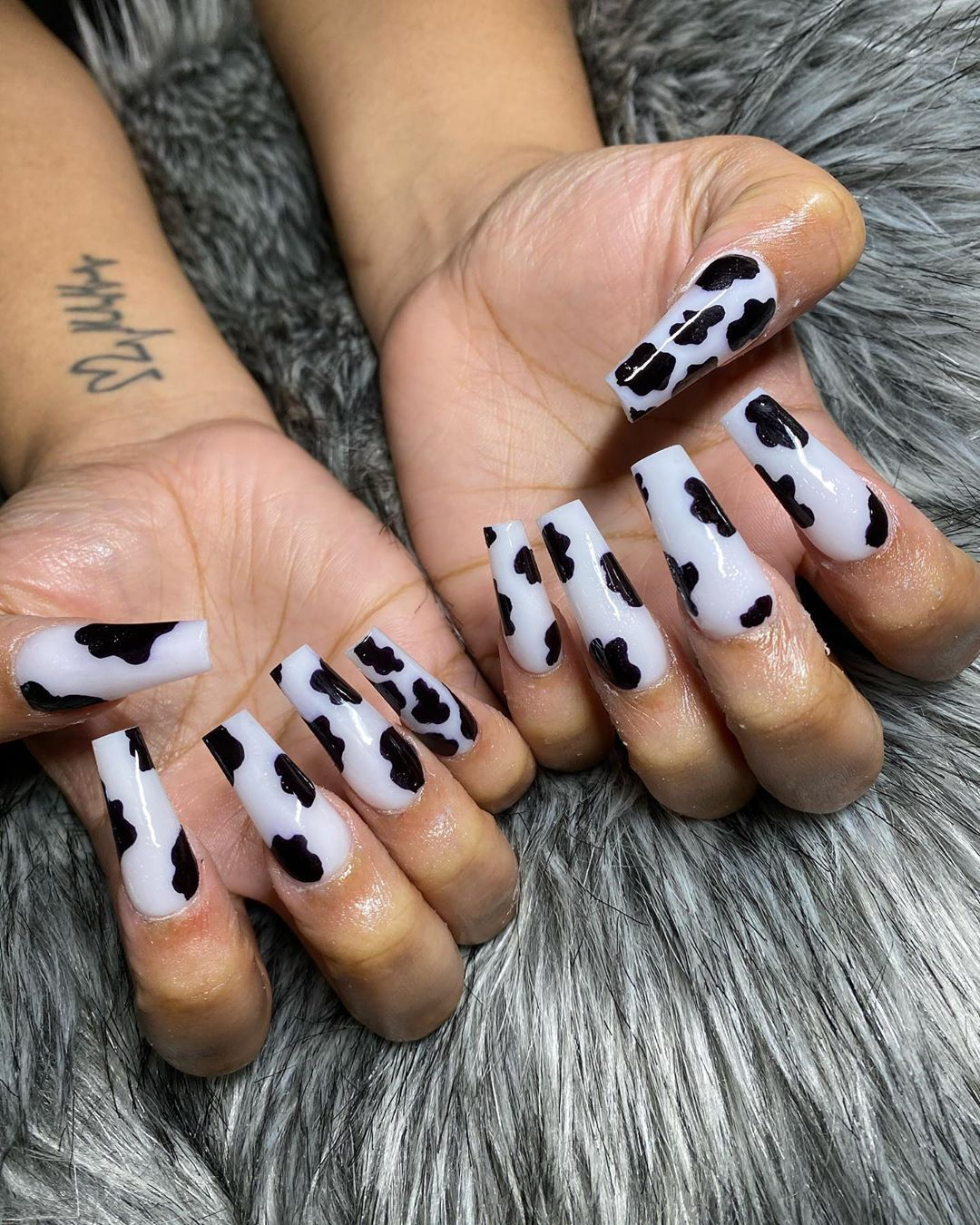 Leoriveraa On Instagram Click Book In Bio Houstonnails Houstonnailartist Houstonnailtech Houstonnailart In 2020 Cow Nails Dream Nails Long Acrylic Nails
