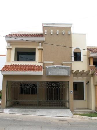 Fachadas mexicanas y estilo mexicano hermosa fachada for Planos de casas modernas mexicanas