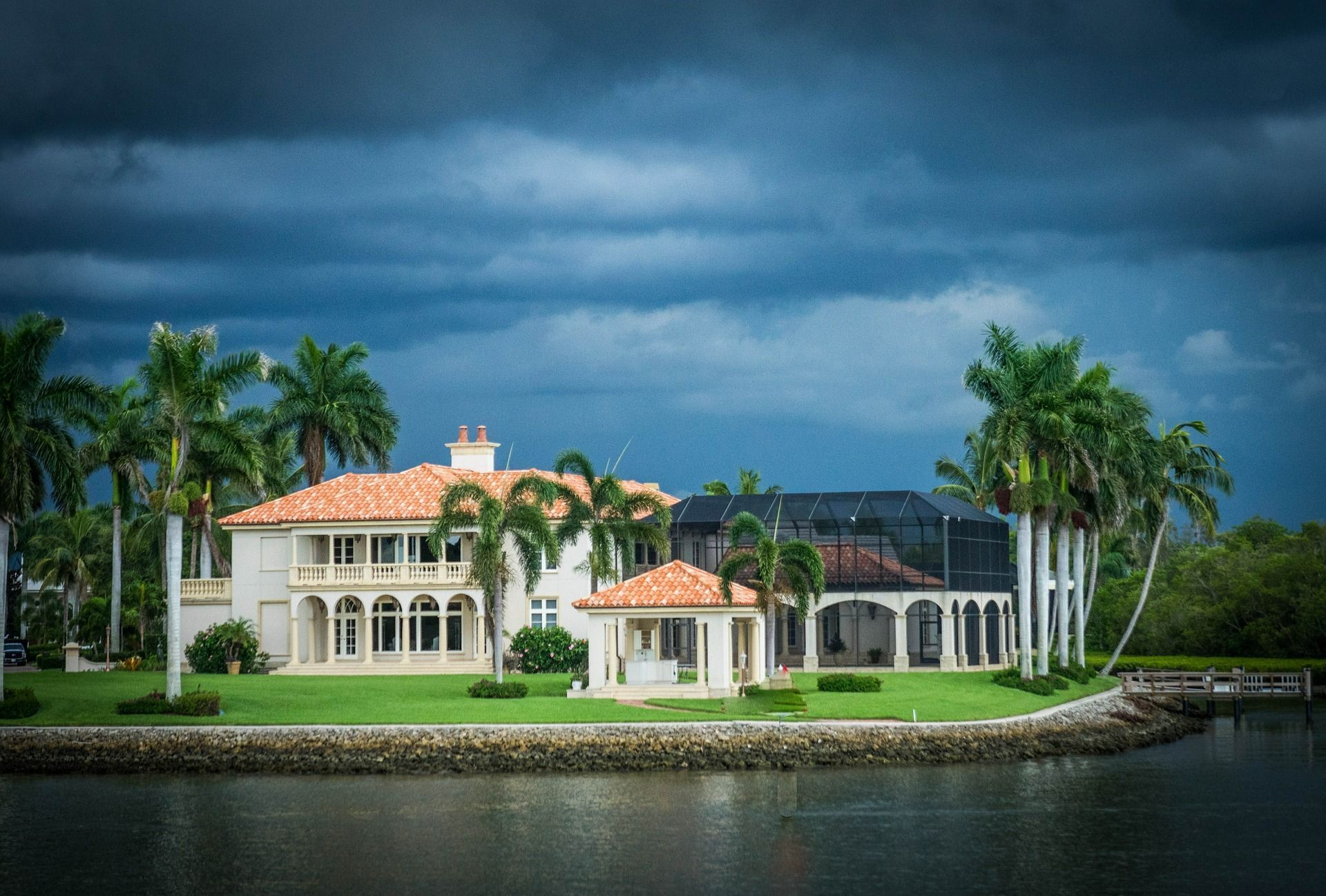 The Luxury Homes Market on the Rise. Sales and for high