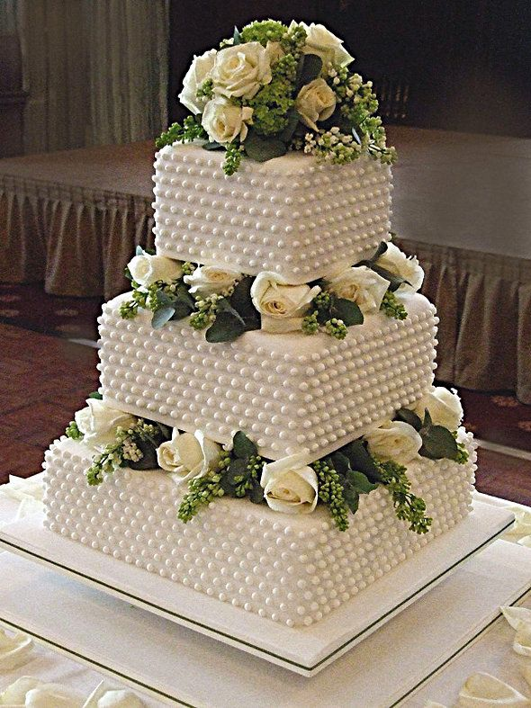 most wonderful wedding cakes the right wedding cake design is usually more important 17588