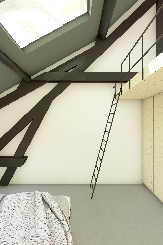 Slaapkamer met stalen ladder naar entresol boven kastenwand in een ...