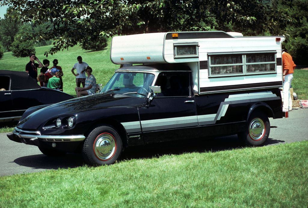 Citroen DS Now that's an interesting camper.