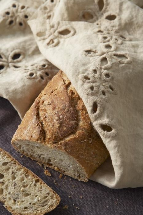 bread and linen