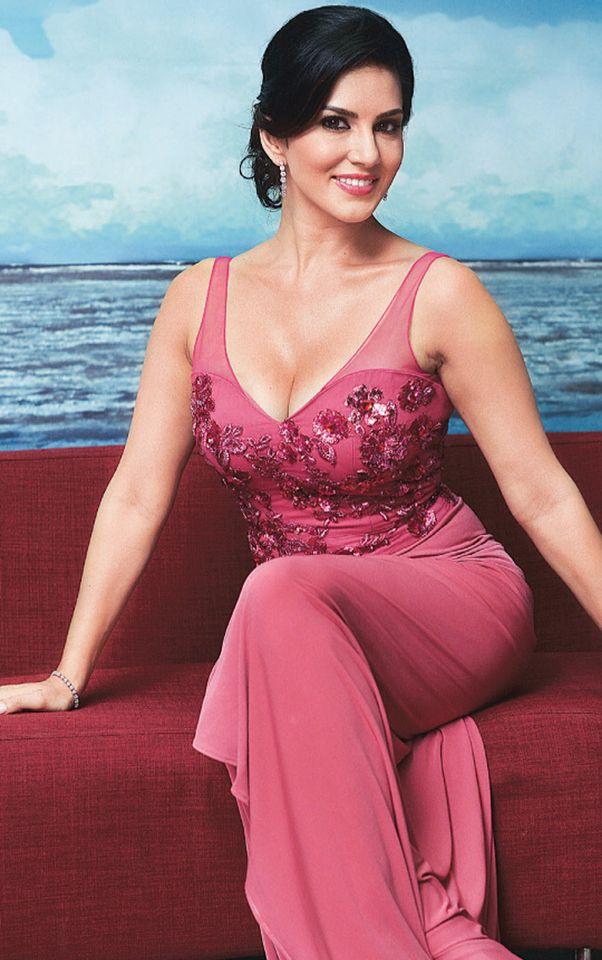 Sunny Leone cleavage | Bollywood | Pinterest | Sunnies, Hot ...
