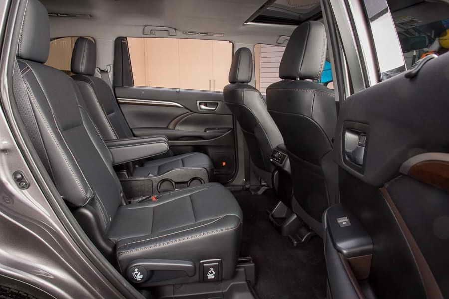 Toyota Highlander With Captains Chairs For Sale