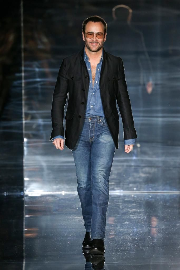 Tom Ford Spring 2015 Ready-to-Wear - Collection. The Designer walks the Runway