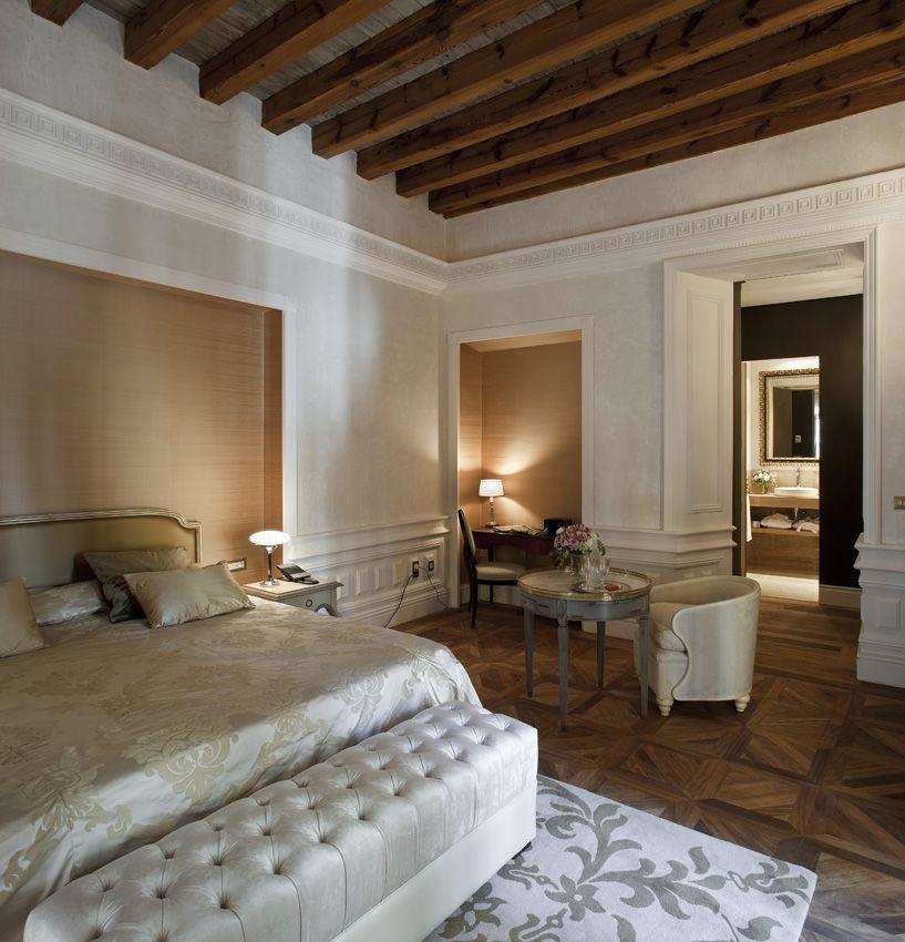 Hotel Casa 1800 Sevilla...lovely room Dormitorios
