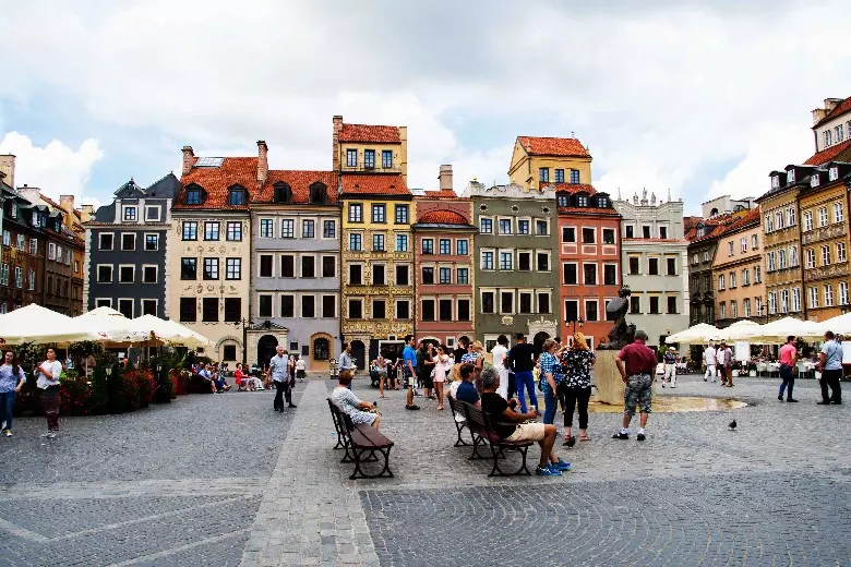 Warsaw, Poland City Guide: 13 Things To Do | We Are Travel Girls - #Girls #guide #poland #things #travel #warsaw -  Warsaw, Poland City Guide: 13 Things To Do | We Are Travel Girls   trips Stadtführer Warschau, Polen: 13 Aktivitäten | Wir sind Reisemädchen