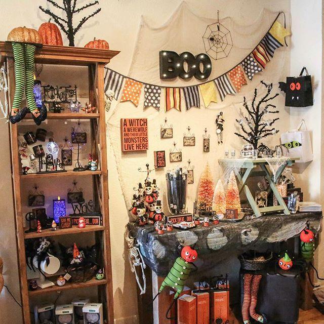 HAPPY #OCTOBER!!!!!  Visit #Plum to get in the #Halloween spirit  #plumgifts #plumhalloween #plumgiftboutique #ventura #downtownventura #visitventura #halloween #halloweendecor