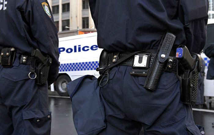 Police confront gunman after deadly shooting near Sydney, #Australia