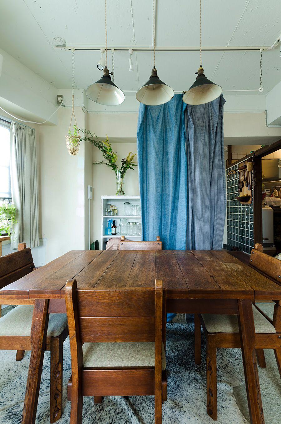 手作り感が気に入っているアメリカのアンティークの椅子とテーブルは