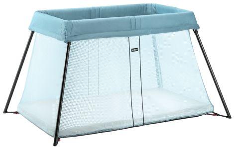 Lettere enn dette blir det ikke å sove borte med små barn! Reiseseng Light er lett å ta med seg, enkel å felle opp og sammen og den myke madrassen gjør reisesengen til en behagelig soveplass på reisen. Passer til barn i alderen 0-3 år.