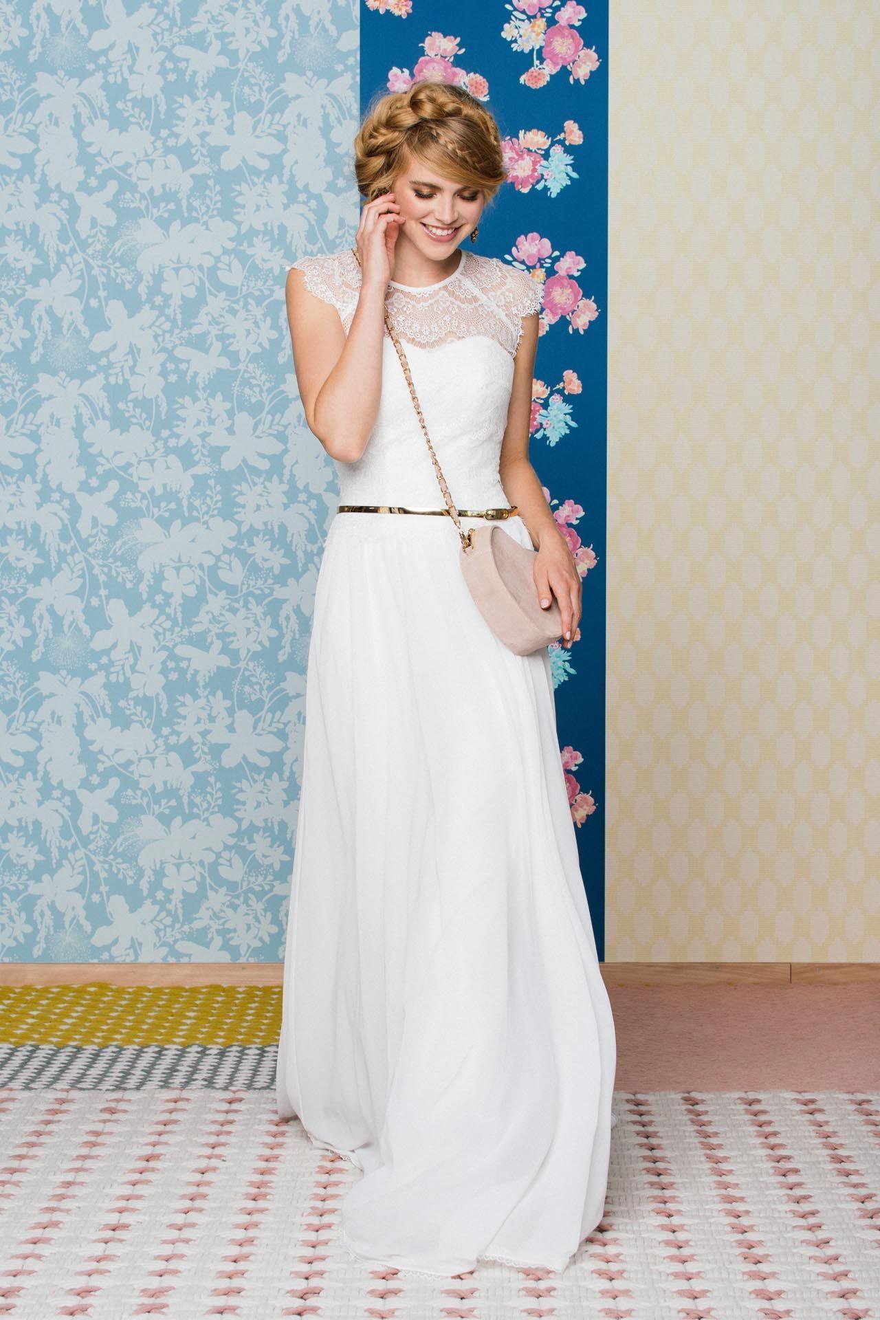 Brautkleid lang #brautkleid #braut #hochzeitskleid #spitze #weiß