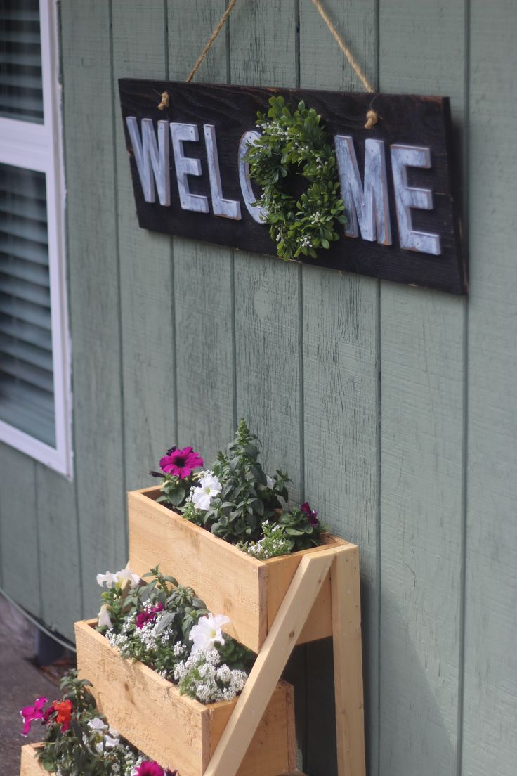 Build this adorable rustic outdoor sign for your