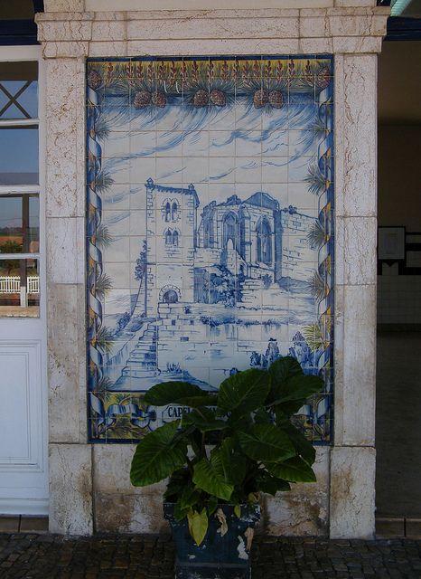 Painel de Azulejos: Capela e Campanário do Castelo de Leiria - Leiria