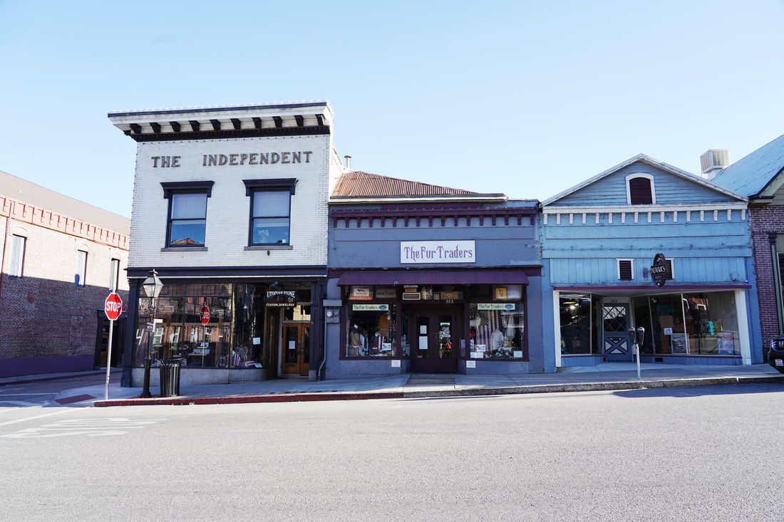 Downtown Nevada City Near The Outside Inn Ellie Smart Read A Real Travel Experience Visiting Nevada County In Northern Cali In 2020 Nevada City Visit Nevada Nevada