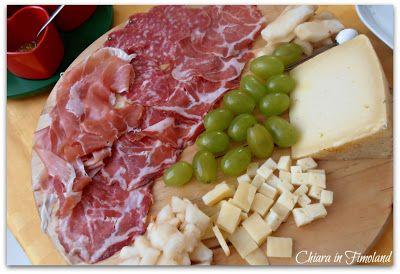 Tagliere estivo dolce-piccante #salse #sauces #lazzaris #mostarda #tagliere #salumi #formaggi #cheese