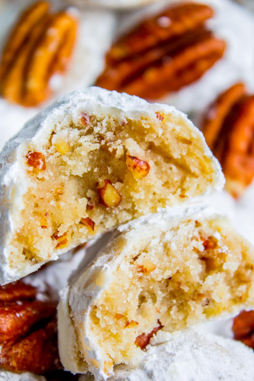 Mexican Wedding Cookies (Russian Tea Cakes)