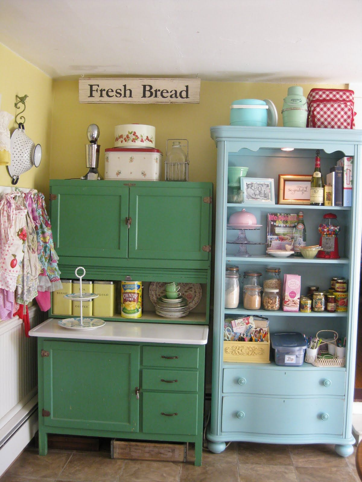 Scenic green and blue vintage kitchen cabinet storage also for Open style kitchen cabinets
