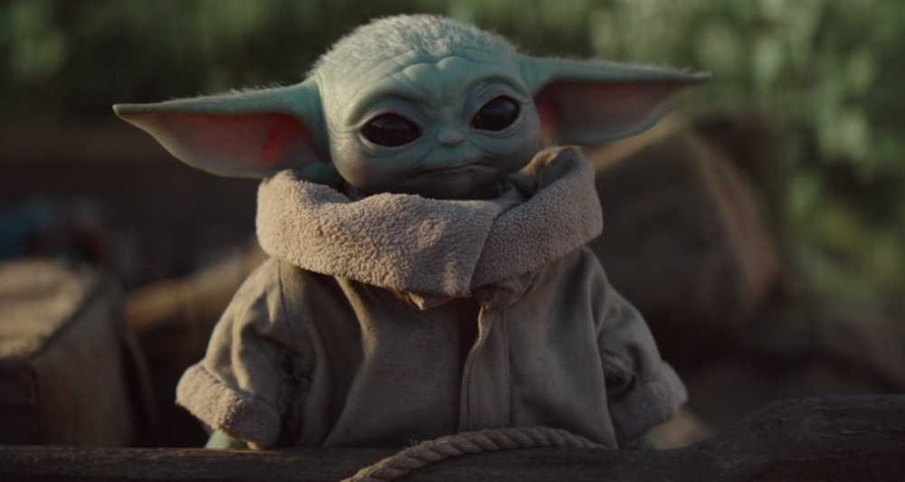 We Re Already Four Episodes Into The Mandalorian Yet The Great Baby Yoda Hype Continues We Can T Really Blame Ou Yoda Wallpaper Star Wars Yoda Star Wars Memes