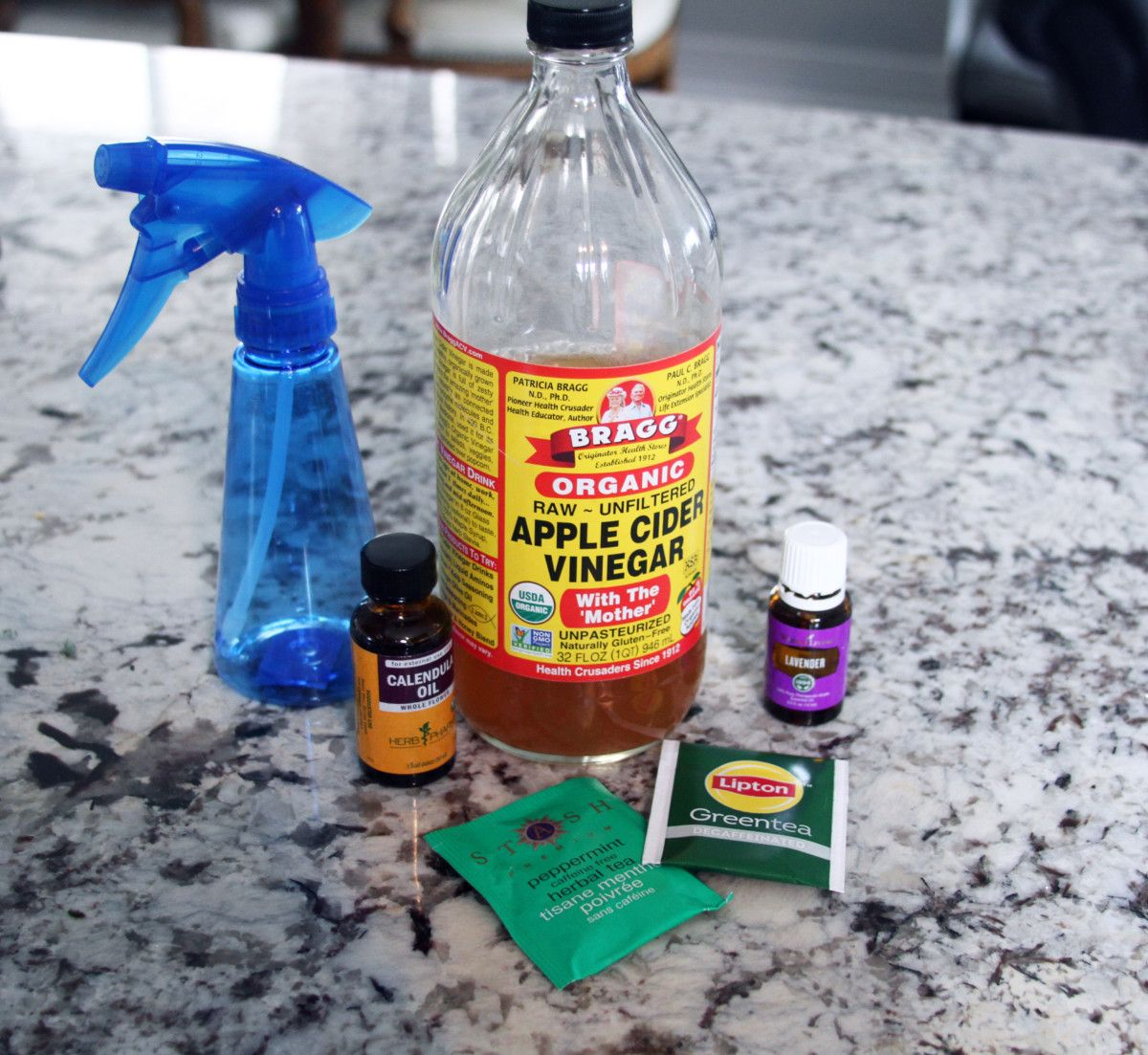 DIY AntiItch Spray for Dogs The DIY Dog Mom (With