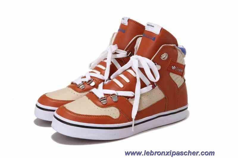 Chaud Adidas Originals Hardland Chaussures Brown