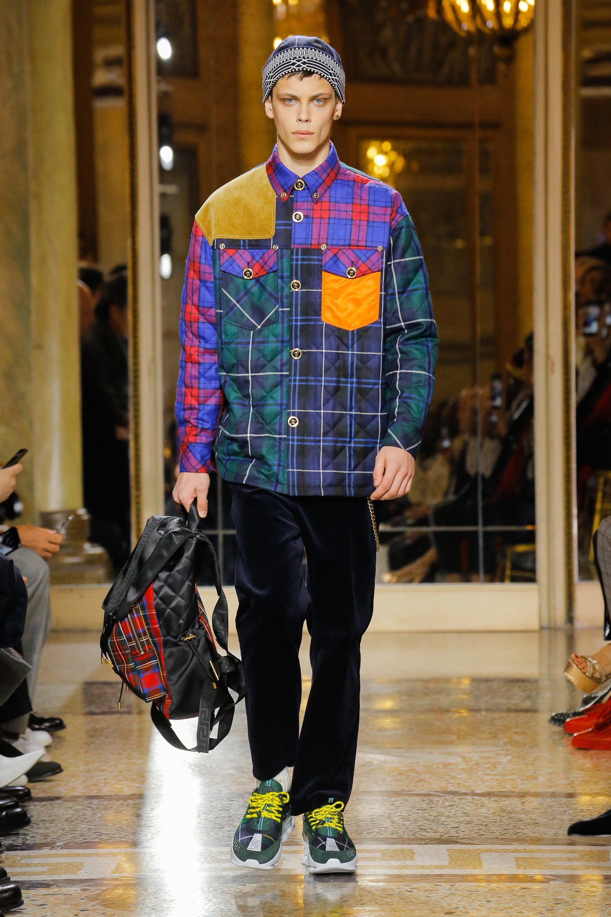 2019 year looks- Mens versace fall runway