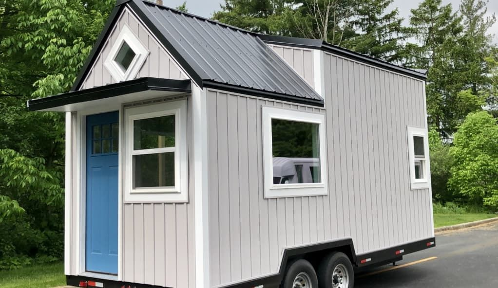 Welcome To Your New Carefree Life Tiny Home Tiny House For Sale In Akron Ohio Tiny House Listings Tiny House Listings Tiny Houses For Sale Tiny House