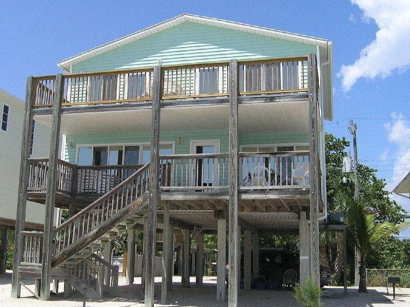 House Vacation Rental In Fort Myers Beach From Vrbo Com Vacation Rental Travel Vrbo Beach House Rental Vacation Rental Vacation