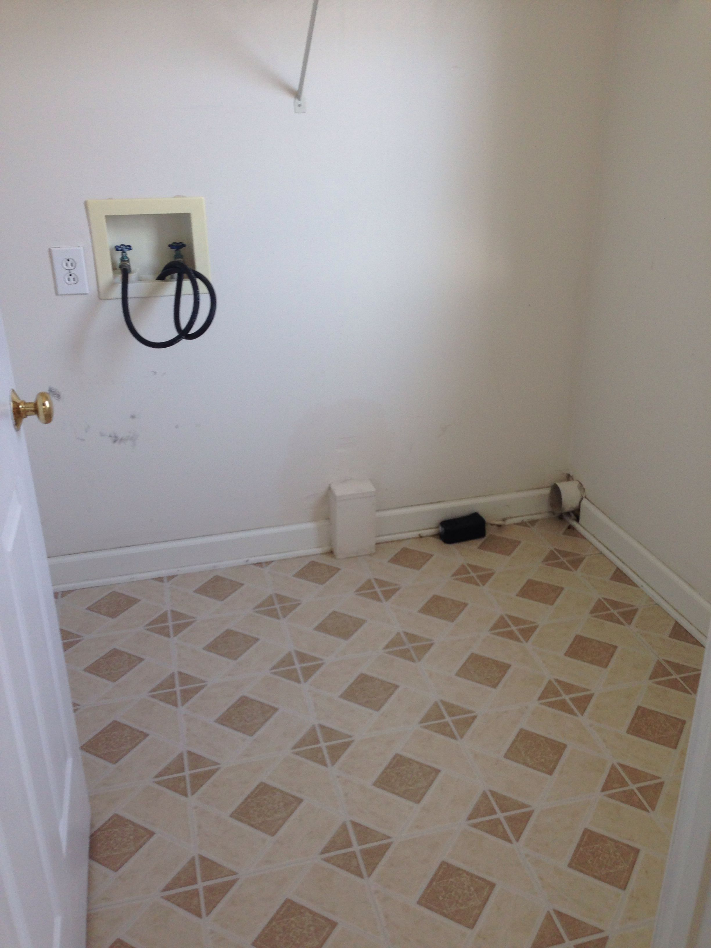 Before Mid 90S Builder Grade Laundry Room With Linoleum Floor And