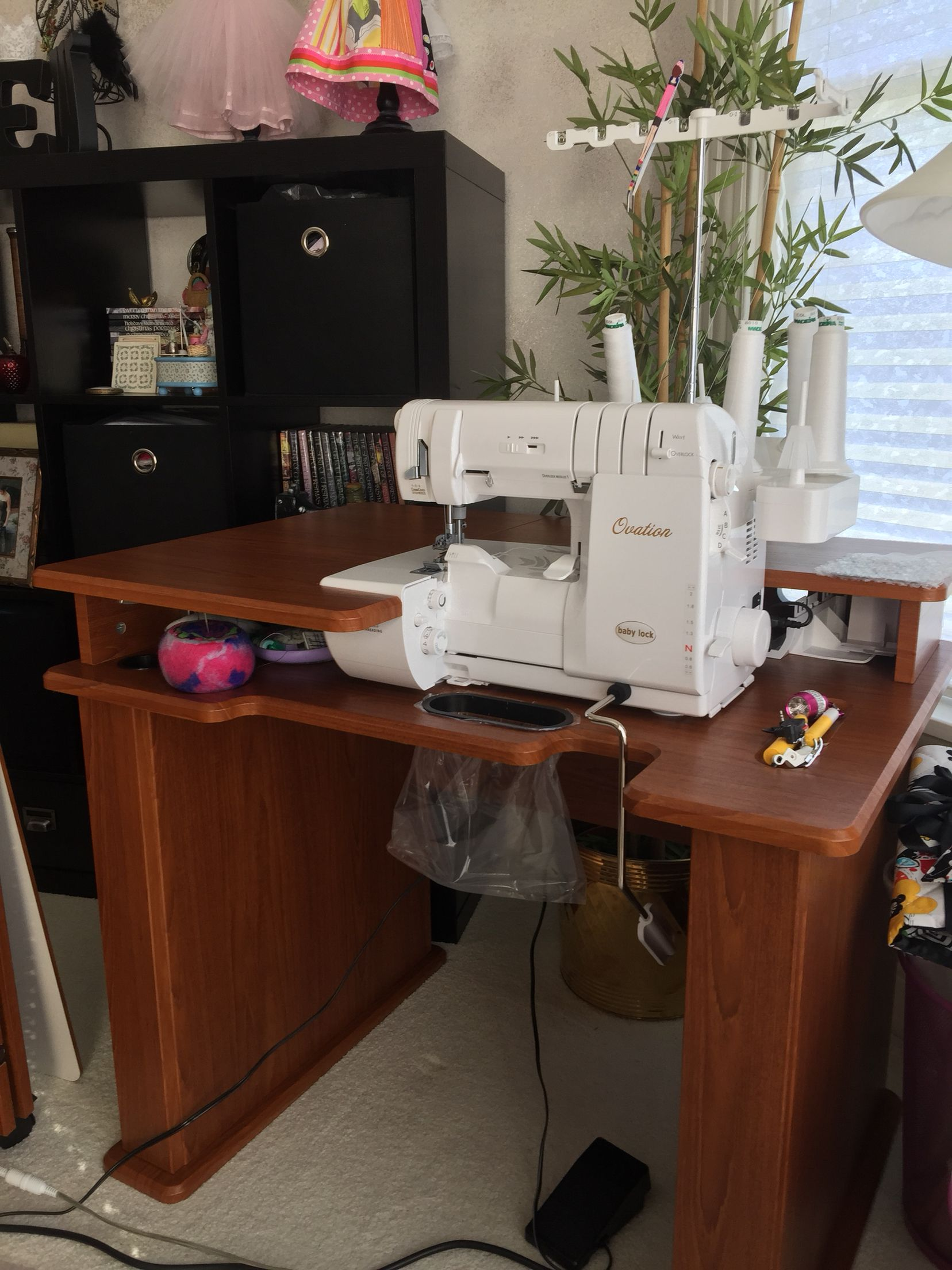 Babylock Ovation Serger And Koala Cabinet In Action!