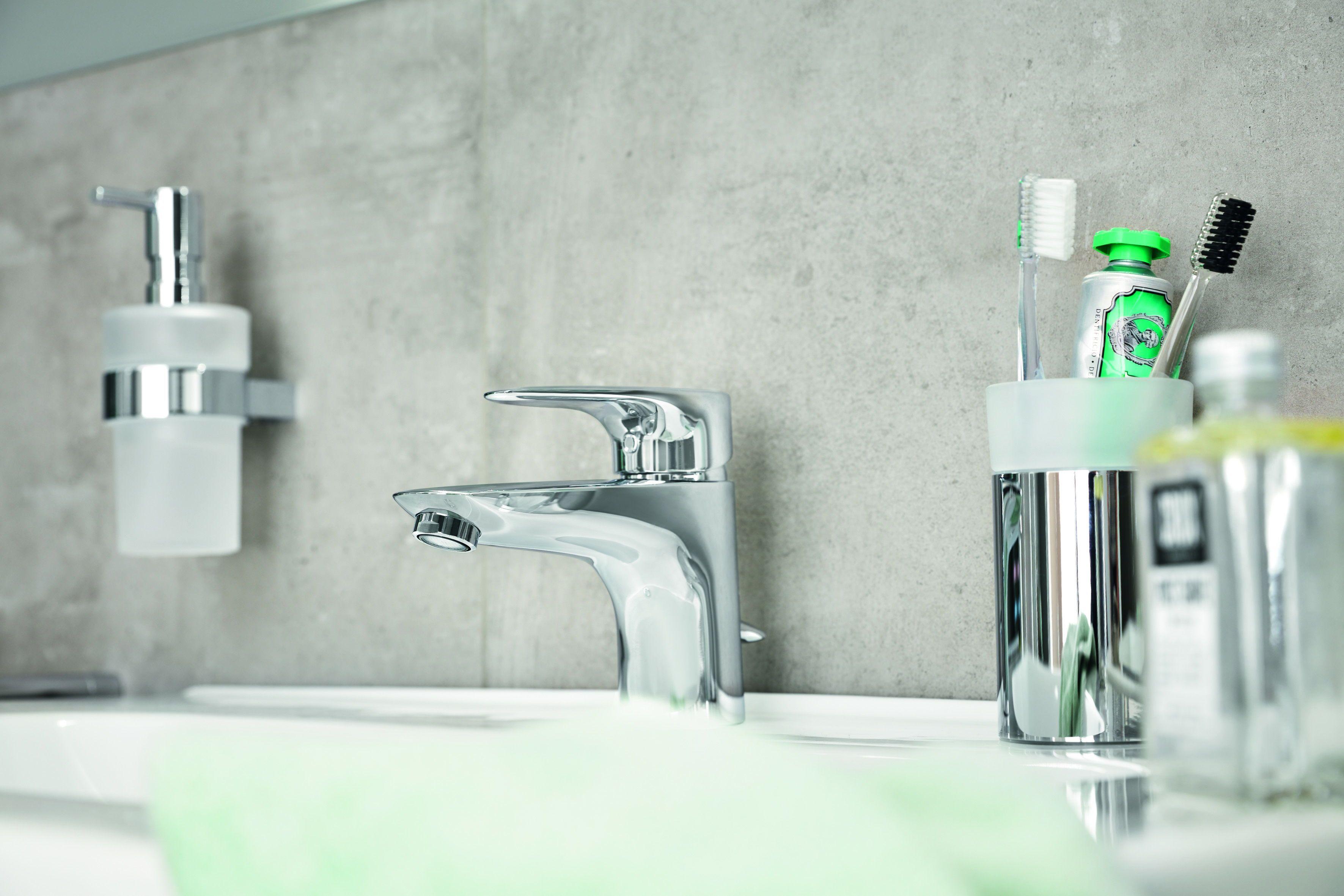 Wasser Sparen Im Bad In 2020 Wasser Sparen Randloses Wc Neues Badezimmer