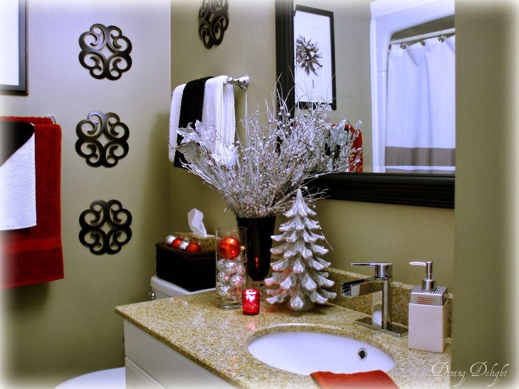 Holiday Decor    Christmas Bathroom