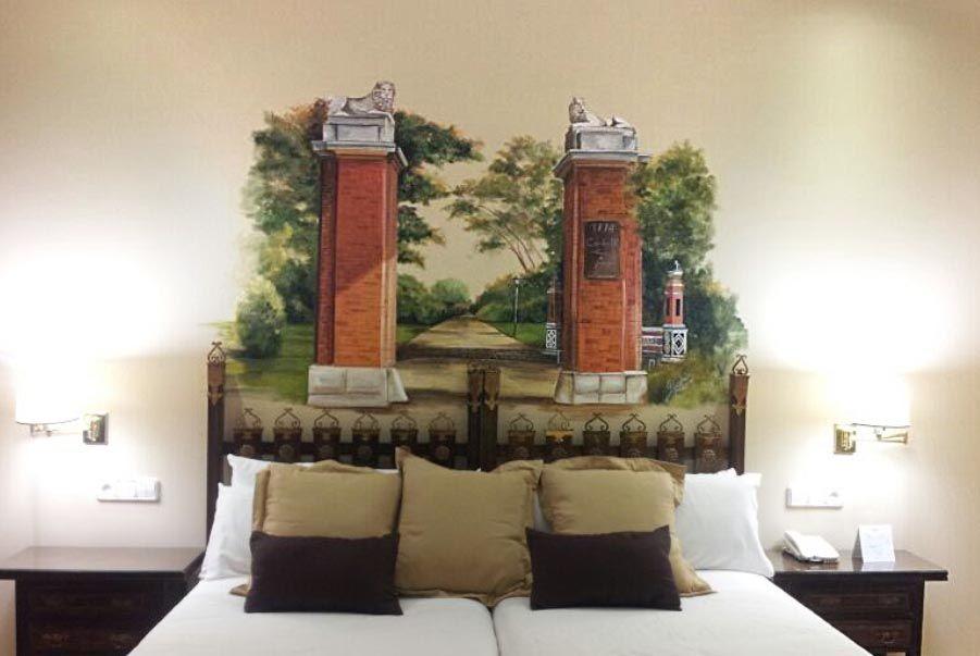 Hotel Mayorazgo, habitacion hotel decorada, casa de fieras retiro - murales con fotos