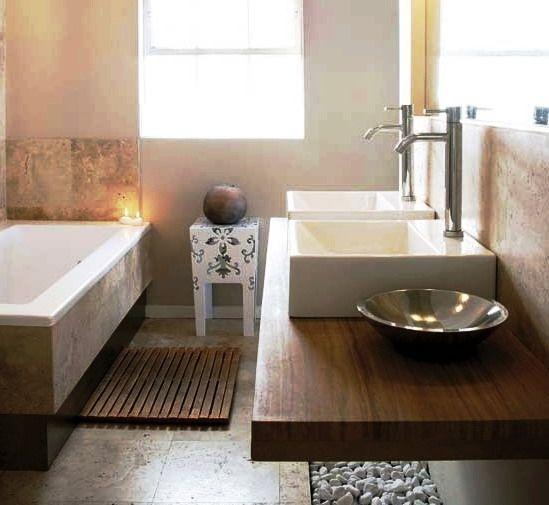 Tips para la deco de ba os y toilettes cuarto de ba o for Decoracion de banos con guardas verticales