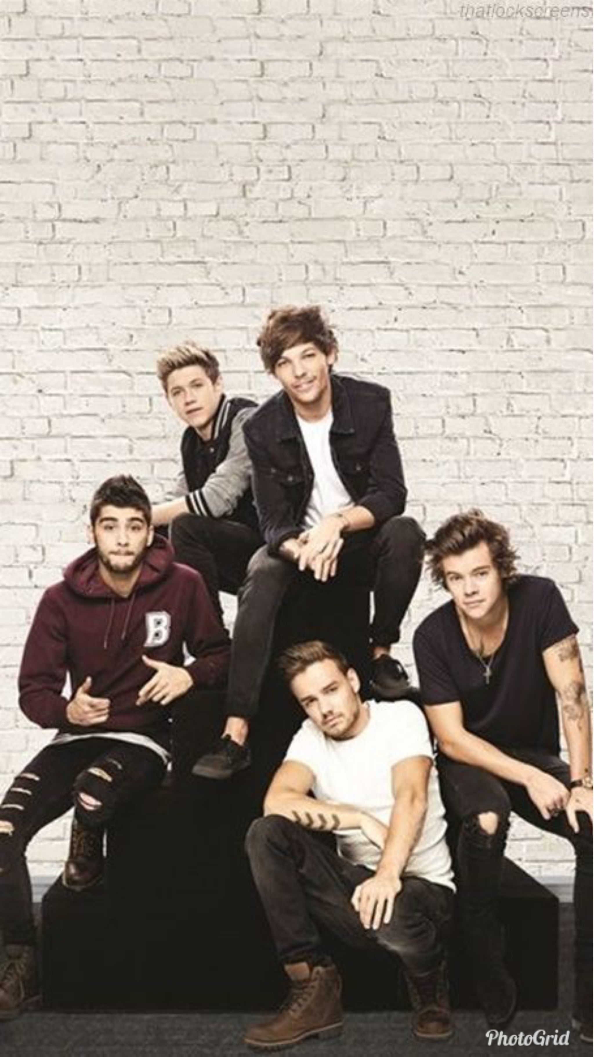 One Direction Wallpapers For Iphone In 2020 One Direction Pictures One Direction Wallpaper One Direction Background