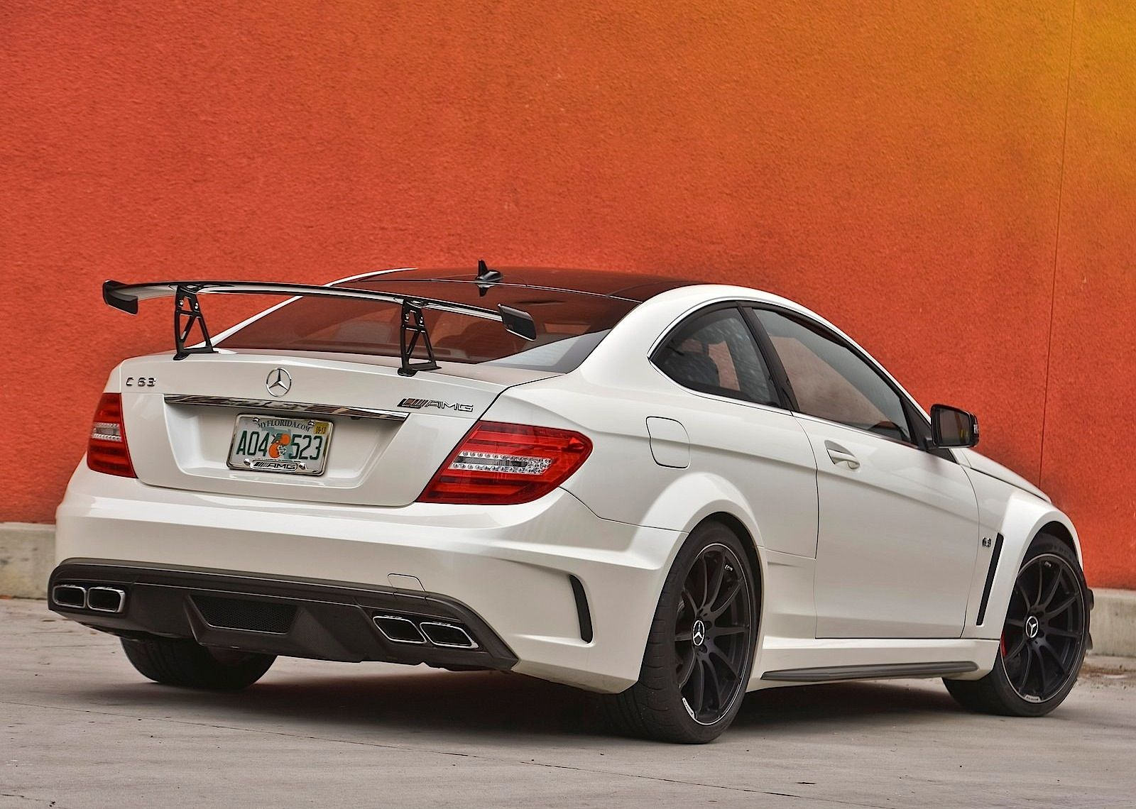 General information photos engines and tech specifications for mercedes benz c 63 amg coupe black series 2014