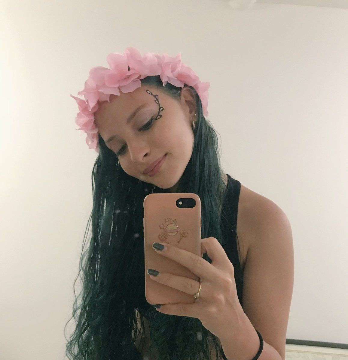 Au/Ra (heyitsau_ra) Twitter Singer, Jamie, Famous girls
