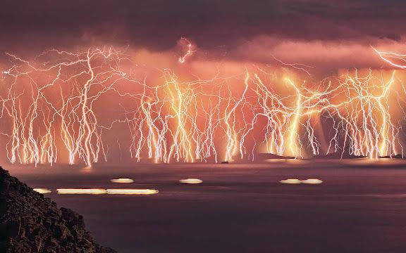 Pin Oleh Farm Lady Di Storm, Great Outdoors Lightning Strike