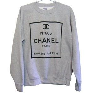 I am in love with Chanel !!!