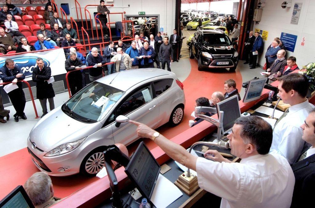 Used Car Shopping At Car Dealer Auctions Car Shopping Tips