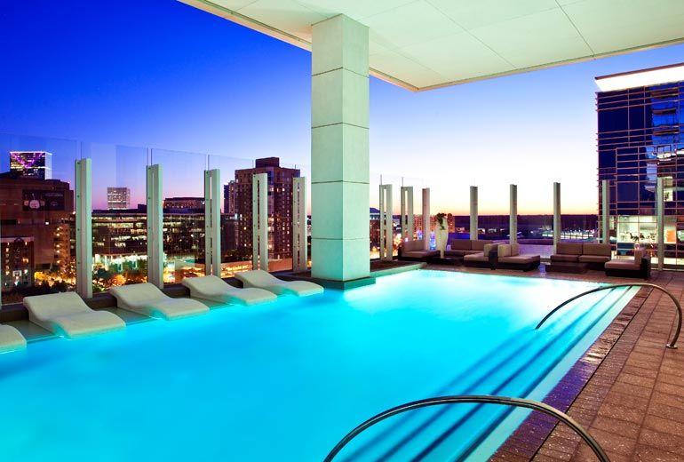 W Atlanta Hotel Downtown Photos Videos Virtual Tours Atlanta Hotels Rooftop Pool Hotel Pool