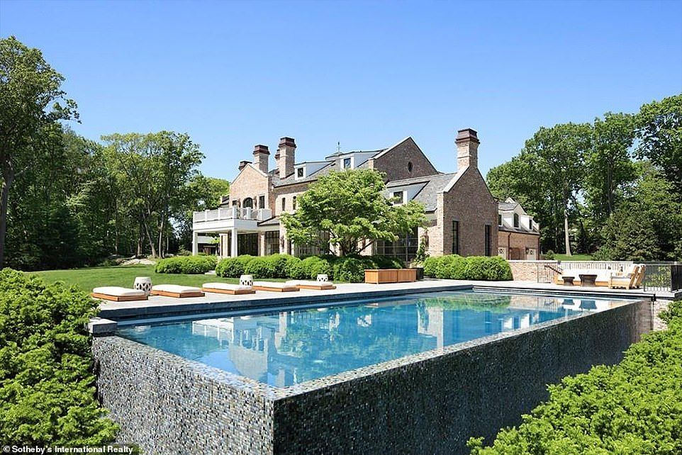 Tom Brady And Gisele Bundchen List Boston Mansion For 34million