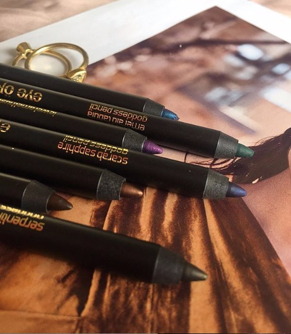GODDESS PENCILS 💋⠀  ⠀ Formulated for sensitive eyes with