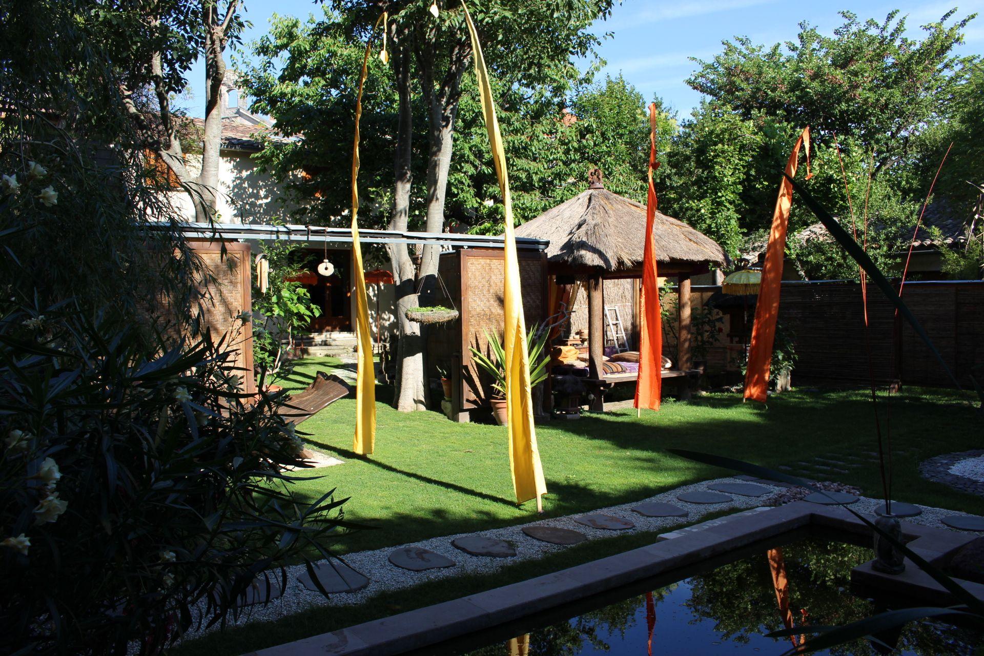 Jardin et maison balinaise miomundo chambres d 39 h tes - Chambre d hotes biarritz pas cher ...