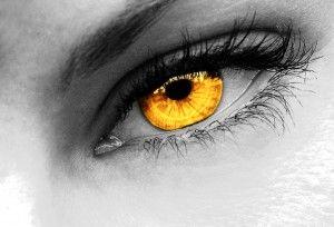 gold eyes - Cerca con Google