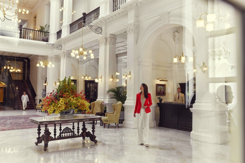 You May Be Wandering Friday Favorites The Raffles Hotel Singapore Hotel Inspiration Singapore Hotels Luxury Hotel