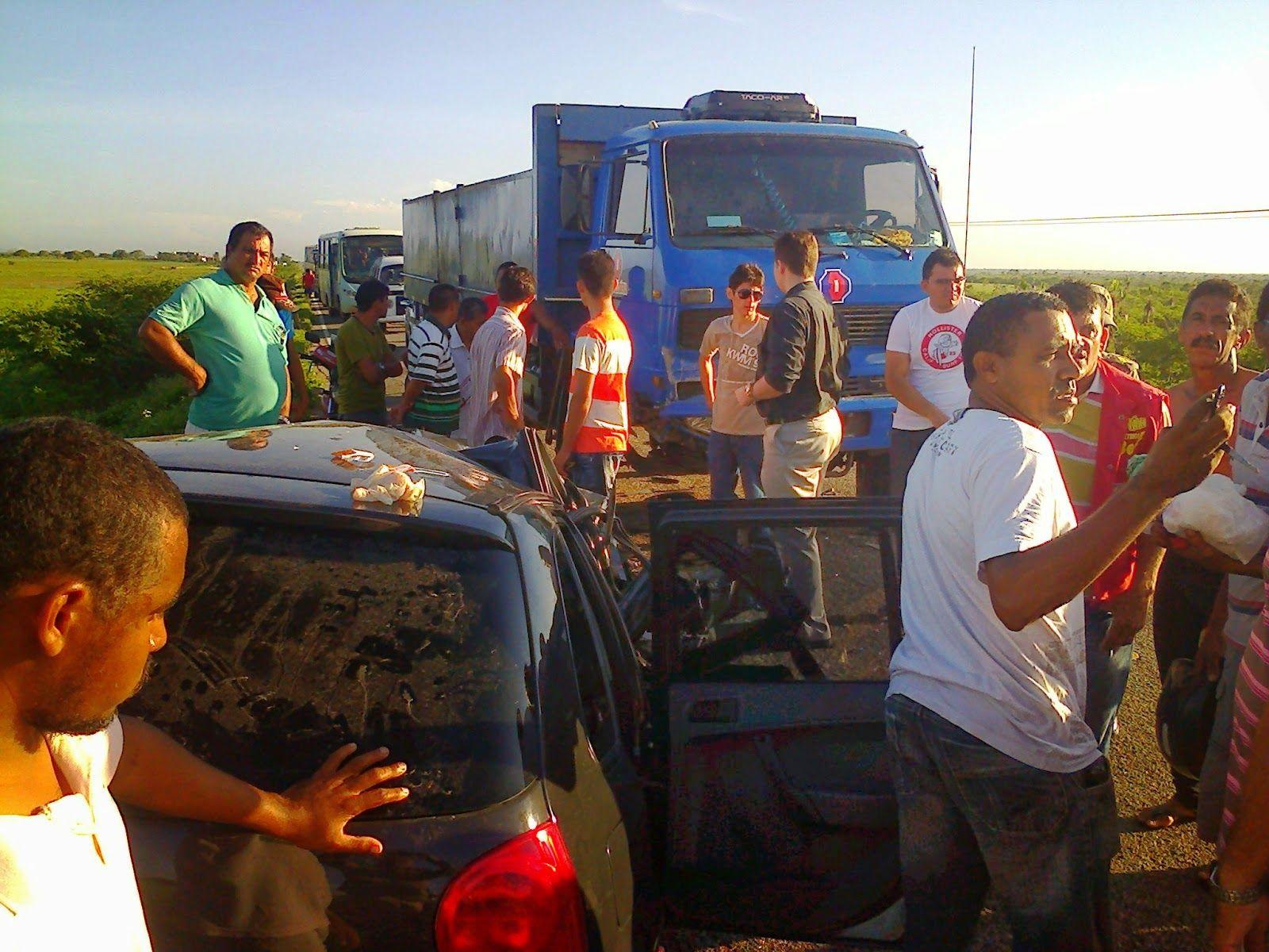Blog do Gilvan BG: MÃE E FILHA MORREM EM ACIDENTE DE TRANSITO NA CE-1...