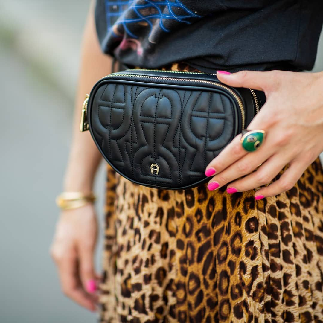 1657 Sr شامل كل التكاليف هاشتاق الماركة W Aigner اقنر شنط شنطة أصلي تسوق تسويق ماركة ماركات Aigner Aigner Gucci Soho Disco Crossbody Belt Bag